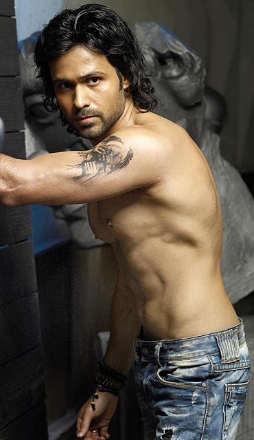 http://www.beingsalmankhan.com/photo/Emraan-Hashmi-muder-2-body.jpg